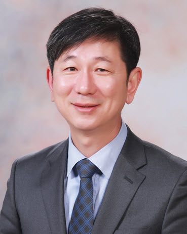 Professor Tae-Jin Yang (Department of Agriculture, Forestry and Bioresources), Recipient of the 2020 Excellence in Research Award