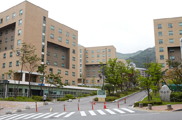 SNU's dormitory (picture above) is the students' most favorite, but it only houses only 5,000 students
