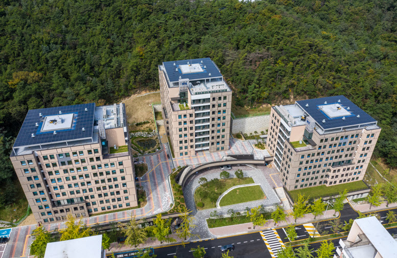 Nwely constructed Global Residence Halls